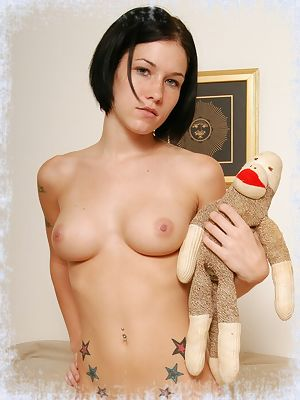 Naughty Nati - XXXImages